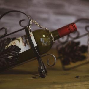 viinipulloteline viinipullokaadin